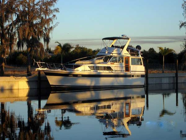 Chris Craft Motor yacht for sale