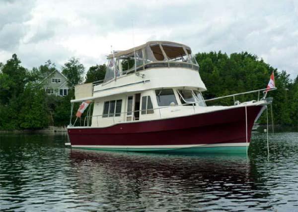 Mainship Trawler Yacht