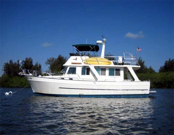Mainship 400 Trawler Review - dicksimonyachts.com