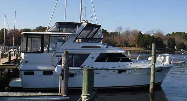 42 Carver donation motor yacht for sale