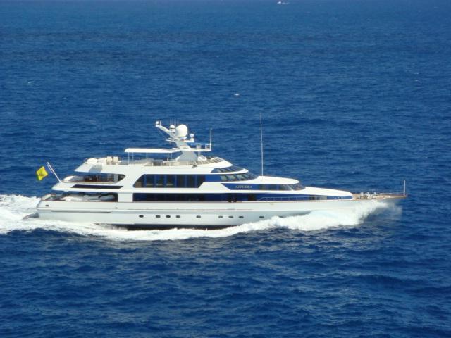Azzura - 156 CRN AZZURA II off Portofino